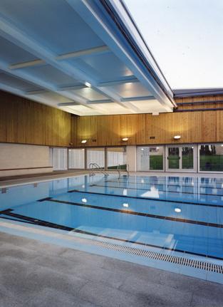piscina municipal la roca ricard balcells arquitecte